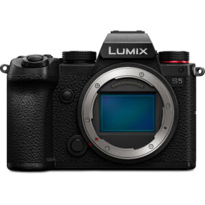 Panasonic Lumix S5 - Full frame camera with affordable price