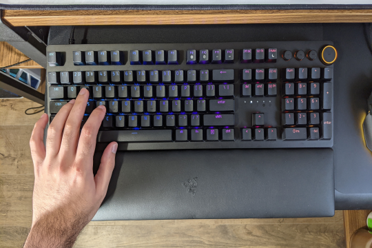 Typing Experience of Razer Huntsman V2- Complete Review